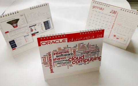 Cliente: Oracle Italia Progetto grafico e impaginazione calendario da tavolo 2018